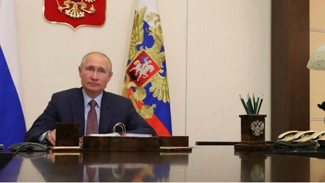 """رسميا..الرئيس الروسي، بوتين، يؤكد فعالية اللقاح ضد فيروس كورونا: """"جربنا اللقاح على ابنتي وهي الآن سليمة"""""""