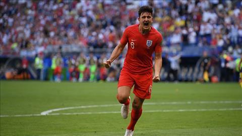 Harry Maguire ghi bàn mở tỉ số cho ĐT Anh trong trận gặp Thụy Điển.
