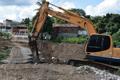 Prefeitura de Guarabira desativa passagem molhada para construção da ponte na Rua 'Arnô de Ché'