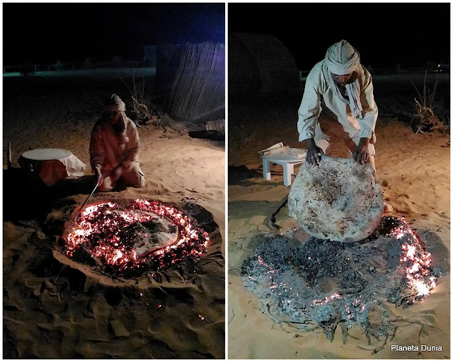 Pan cocinado en la arena