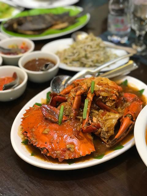 Amazing Seafood at Bahari Restaurant, Makassar, South Sulawesi