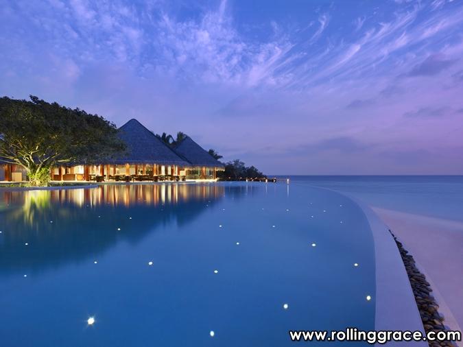 Dusit Thani Maldives water villa