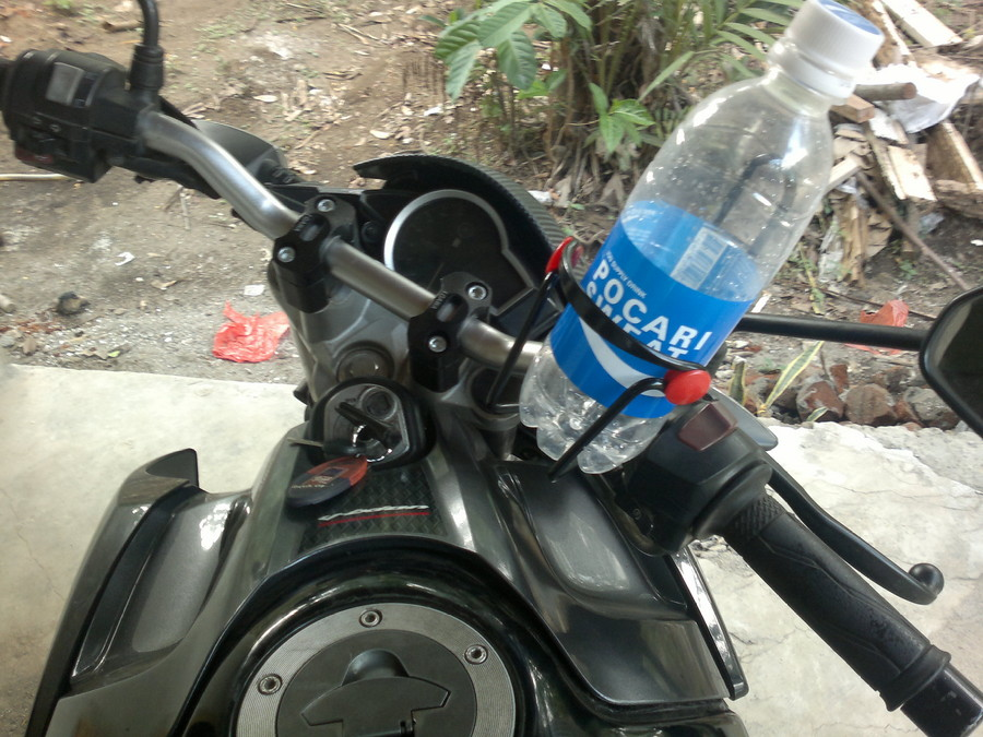gambar holder dudukan botol untuk motor bahan besi