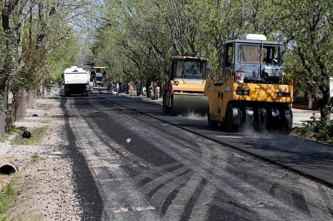 Se asfaltaron 30 cuadras en Salto de las Rosas y ahora se vienen tres barrios en Cuadro Nacional