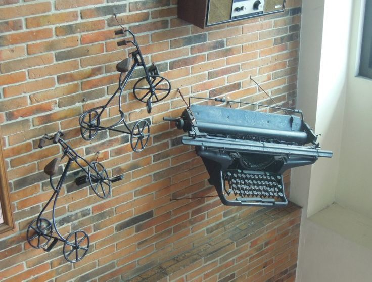 An old typewriter hanging on a wall in Bigg's Diner in Legazpi City, Albay