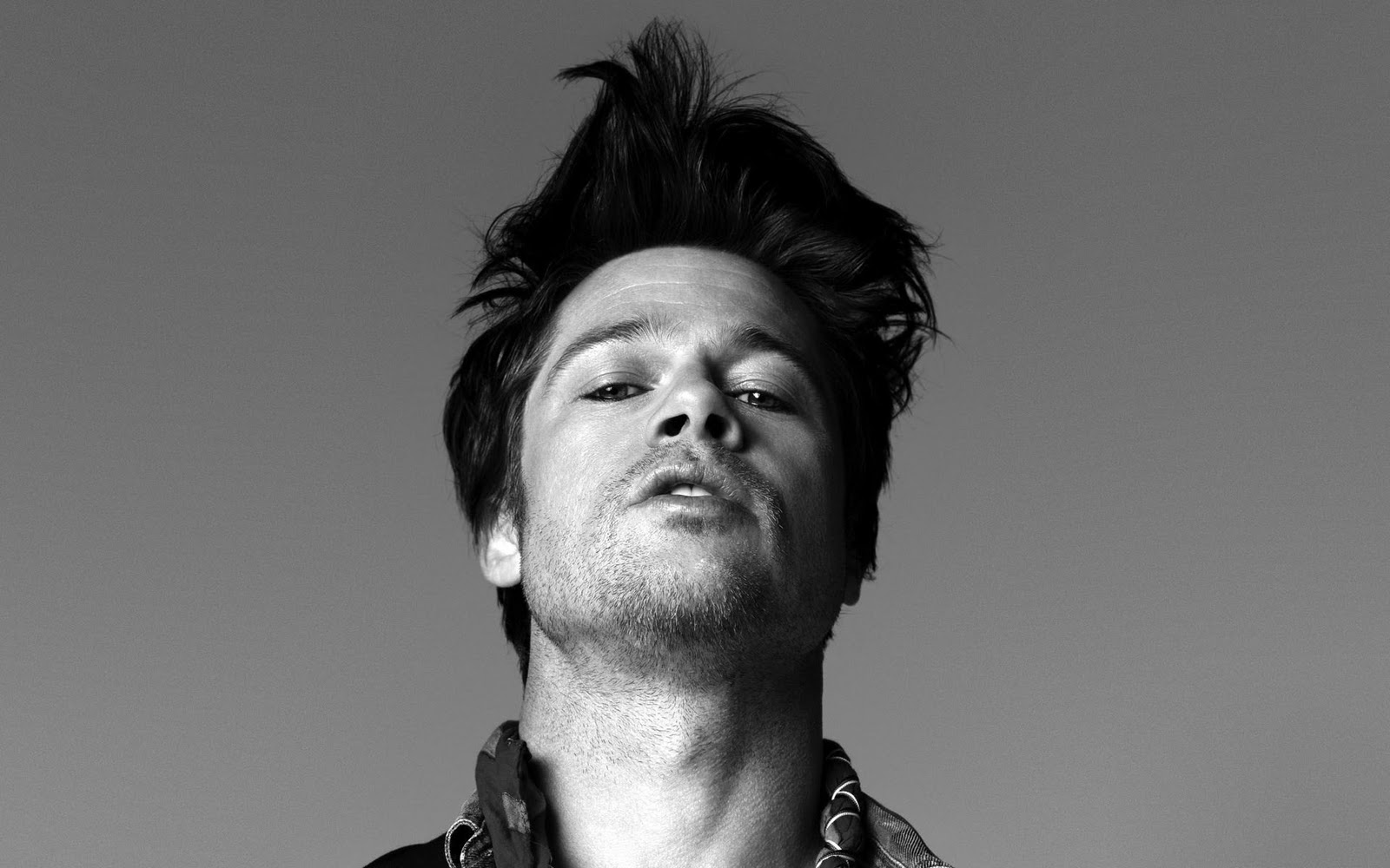 Brilliant Brad Pitt With A Crazy Hairstyle Funny Wallpaper Nocrop Rc Hair Hairstyles For Men Maxibearus