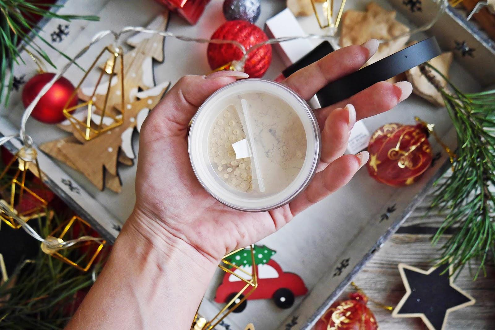 Lily lolo naturalny błyszczyk English Rose Mineralny rozświetlacz Star Dust blog modowy urodowy urodowa karyn puławy