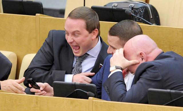 Зарплата помощника депутата в Госдуме – за что им платят больше, чем врачам и учителям?