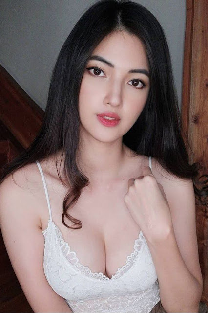 Hot and sexy tiktok videos of beautiful busty asian hottie chick Pinay booty model Barbii Reeder video highlights on Pinays Finest sexy nude photo collection site.