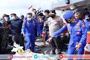 Beri Semangat Personel, Kabaharkam Polri Tinjau Proses Pencarian Korban Pesawat Sriwijaya Air SJ 182