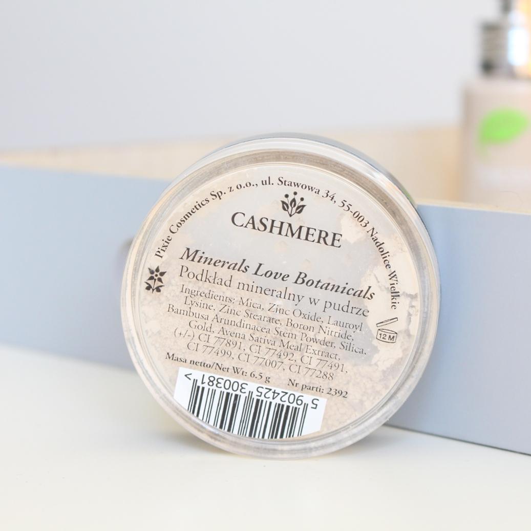 pixie-cosmetics-podkład-mineralny