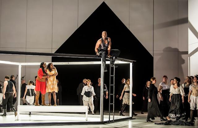 Verdi: Luisa Miller - Nadine Benjamin, Elizabeth Llewellyn, Soloman Howard - English National Opera ( © Tristram Kenton)