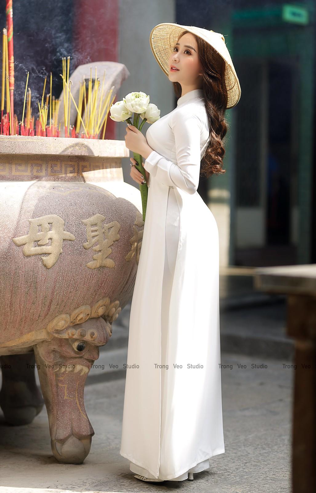 Ngắm hot girl Lục Anh xinh đẹp như hoa không sao tả xiết trong tà áo dài truyền thống - 12