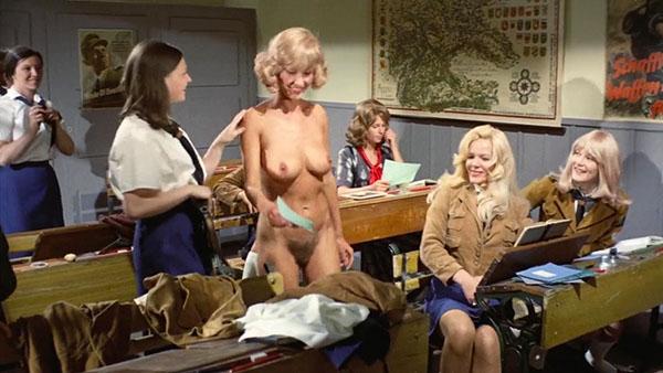 Nackt Gail Travers  Gail McKenna