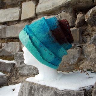 czapka filcowana na mokro