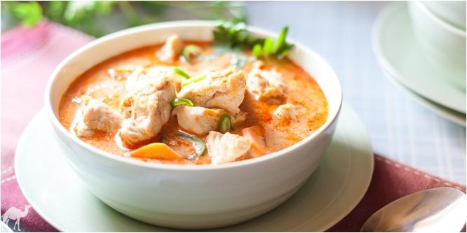 Proste czerwone curry z kurczaka