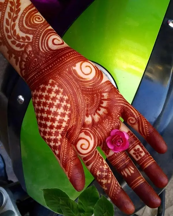 cute-mehandi-design