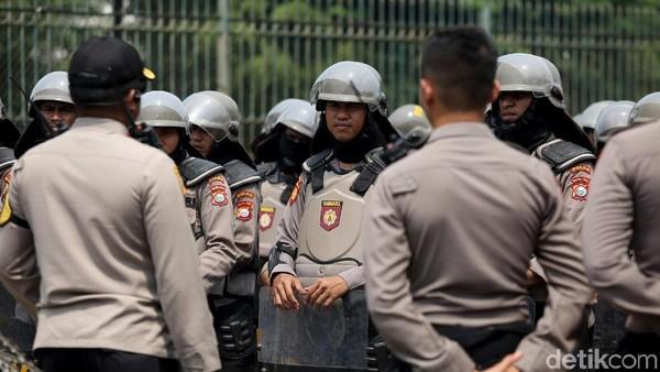 Buruh Jakarta Demo di Simpang Cempaka Putih, Polda Metro Siapkan Pengamanan