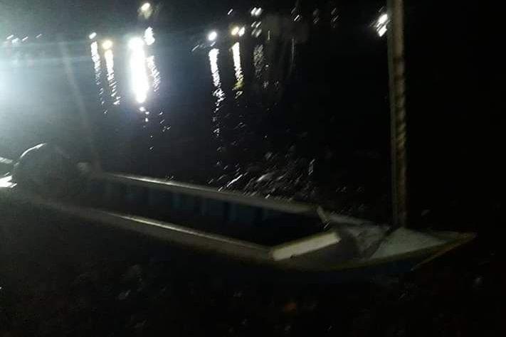 Tabrak Kayu di Tengah Sungai di Cenrana, Perahu Milik Warga Tenggelam, 1 Orang Hilang