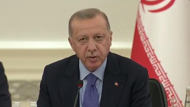Ο Ερντογάν δοκιμάζει τη διπλωματία της μάσκας