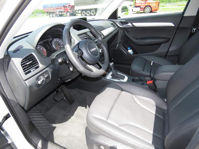 Audi Q3 2017 Flex - Branco - espaço interno