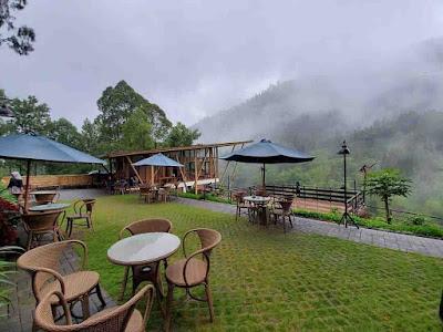 De Potrek Bromo Hotel & Resto, cafe Kekinian dengan Konsep Alam Pegunungan