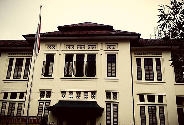 Kisah Hantu Nancy, Noni Belanda Penunggu SMA Negeri 5 Bandung