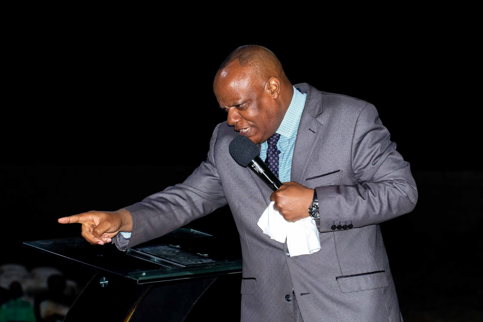 Tiyambuke Notes: Apostle Alexander Chisango Preaching On Defeating The Impossible