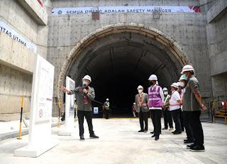 Presiden Jokowi Tinjau Pembangunan Konstruksi Kereta Cepat Jakarta – Bandung