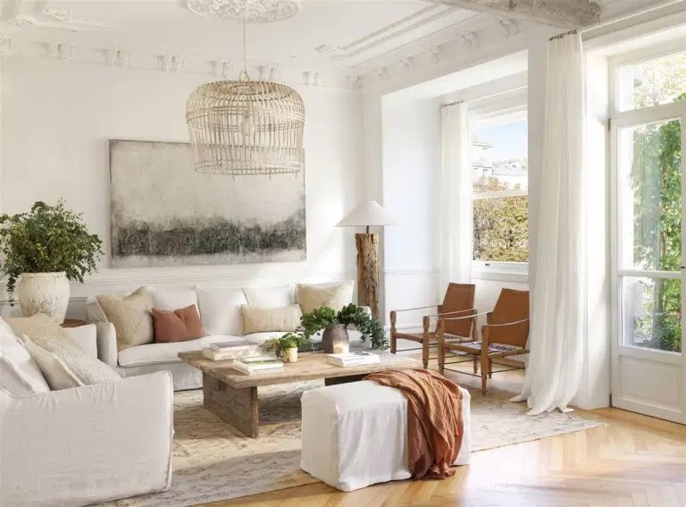 A naturally decorated apartment in Spain