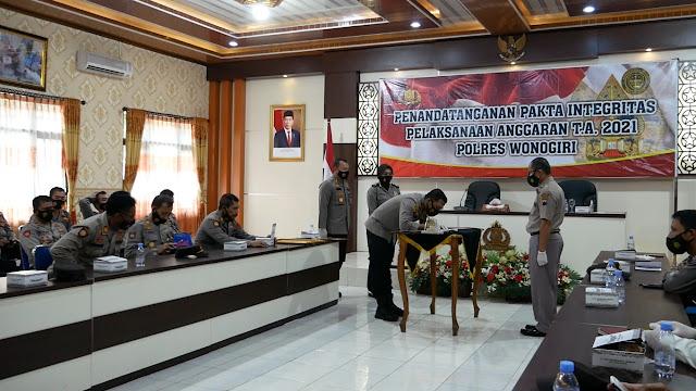 Polres Wonogiri Tandatangani Pakta Integritas Anggaran 2021 dan WBBM