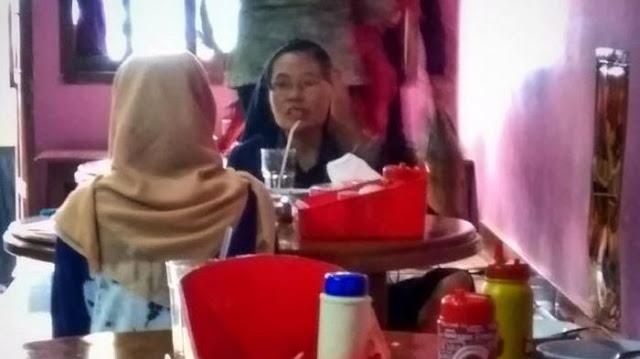 Netizen Kagum Dengan Obrolan Biarawati dan Cewek Berhijab yang Duduk Satu Meja ini