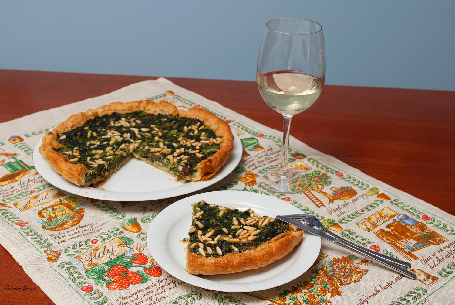 spinach pine nut raisin quiche
