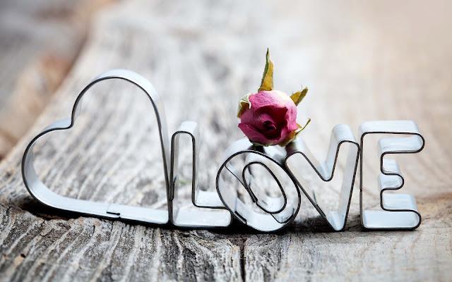 Achtergrond met een ijzeren liefdes hartje