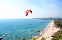 beach activities goa candolim beach india