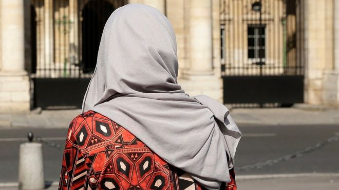 Paris restaurant 'refuses to serve Muslim women'