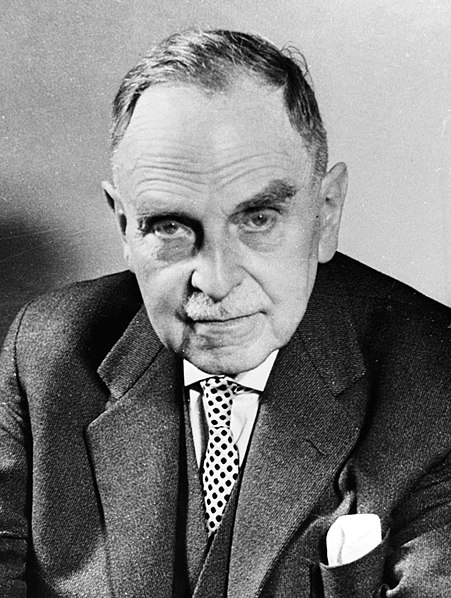 Engineering attracting most Israeli students; law, business in decline,Scientist Otto Hahn