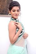 Yamini Bhaskar latest glamorous photos-thumbnail-15