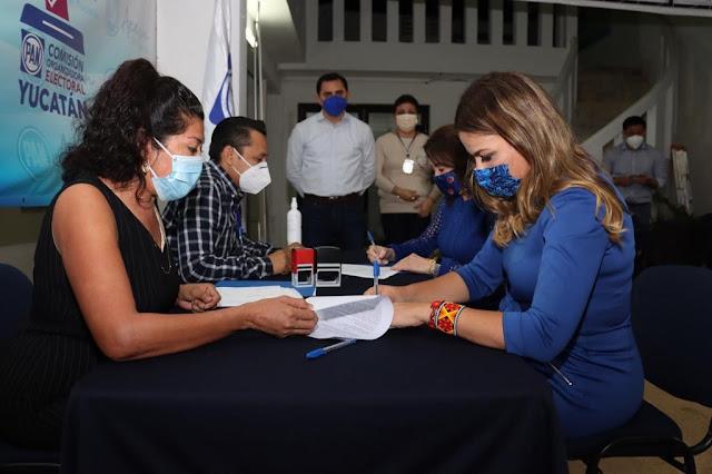 Cecilia Patrón se inscribe por el IV Distrito Federal