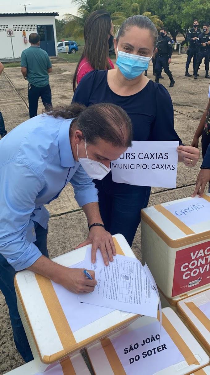 DETERMINADO - Prefeito Fábio Gentil recebe pessoalmente 1° etapa de vacinas contra a Covid-19