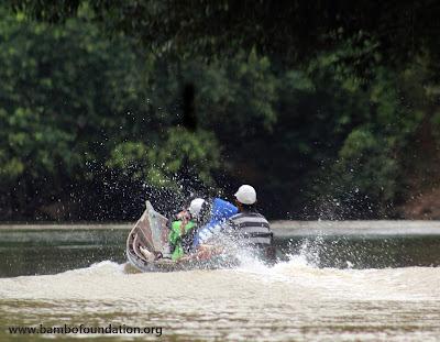 Taman Bacaan Di Pedalaman Kalimantan