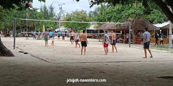 aktivitas wisata volly pantai pasir perawan