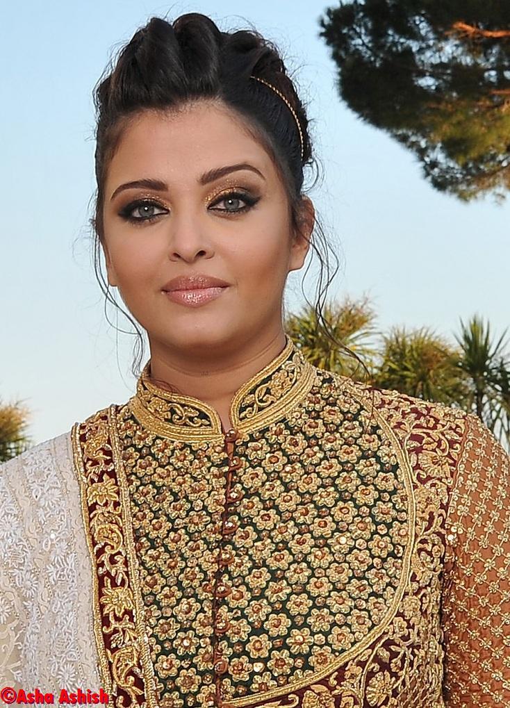 Lakshmi Rai Pole Dancing Photo Shoot - Bolly Break News