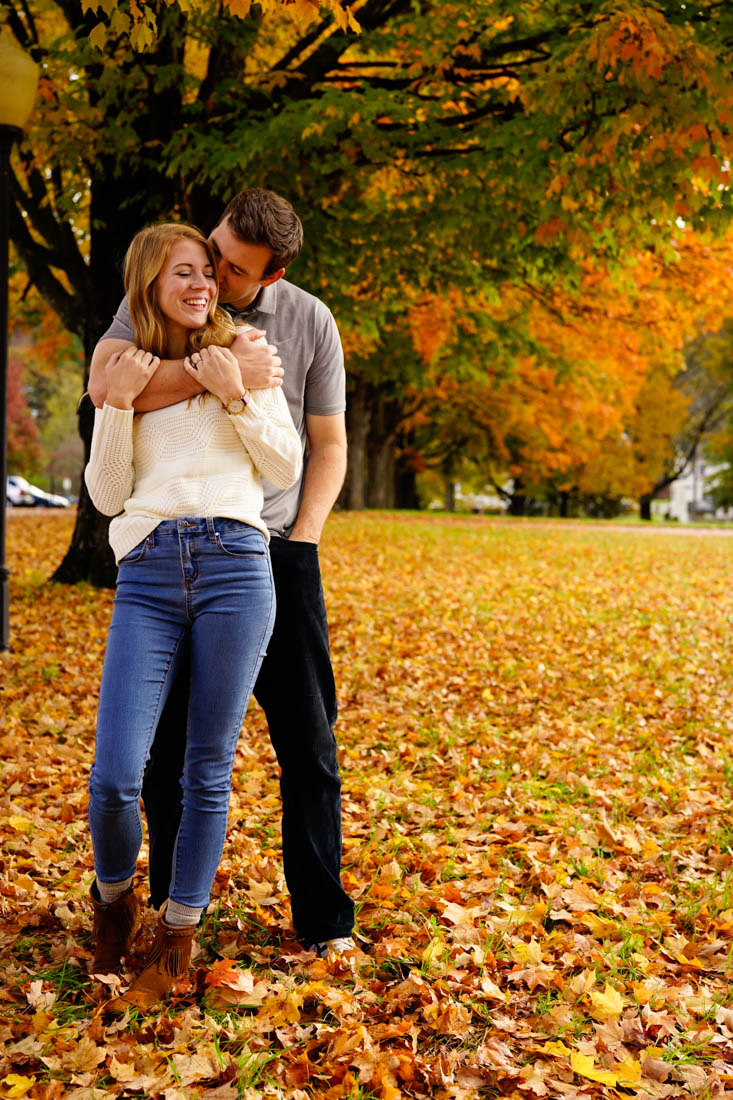 couple-love-fall-photography