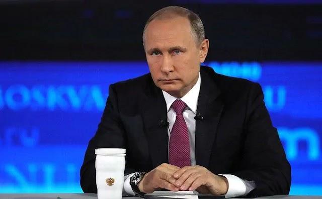 Russian President Vladimir Putin Orders Mass Coronavirus Vaccinations From Next Week