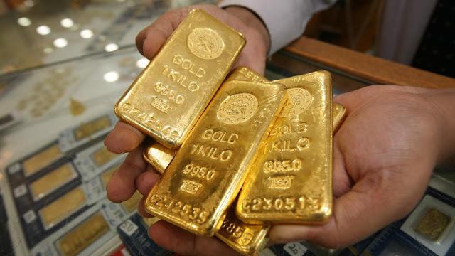Precio del oro sube a máximos de tres meses