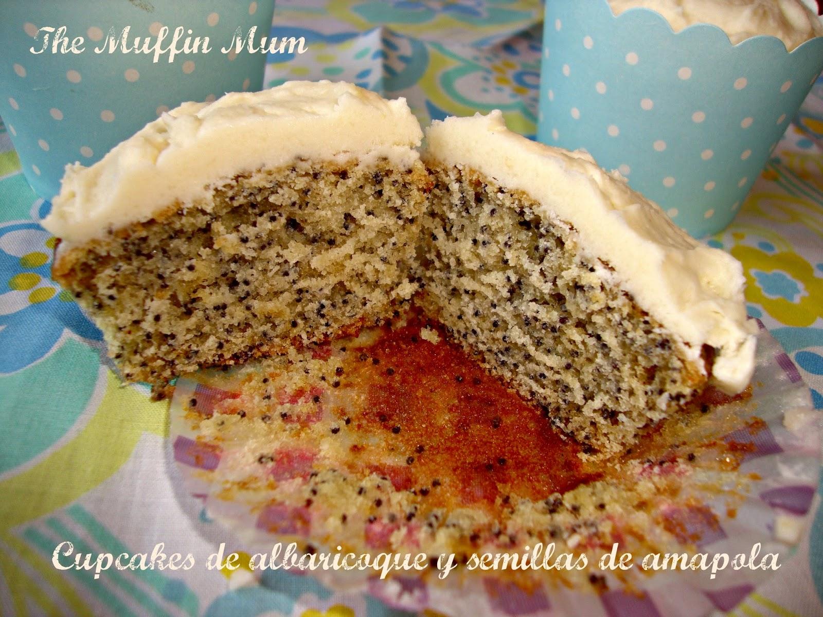 Interior de cupcakes de albaricoque con semillas de amapola
