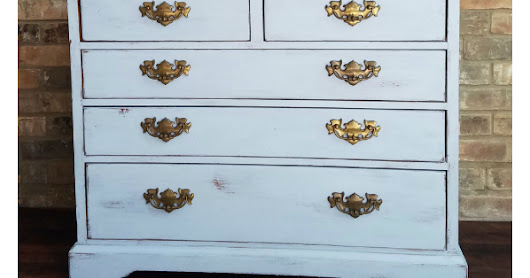 Before and After : 5 Drawer Farmhouse Style Pine Dresser in Louis Blue