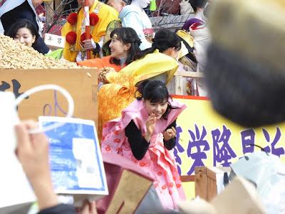 成田山節分祭 芳根京子 百田夏菜子 豆まき