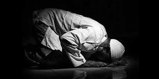 Bacaan Doa Sujud Syukur Arab Latin dan Terjemahannya